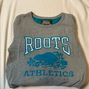 Roots crew neck sweater